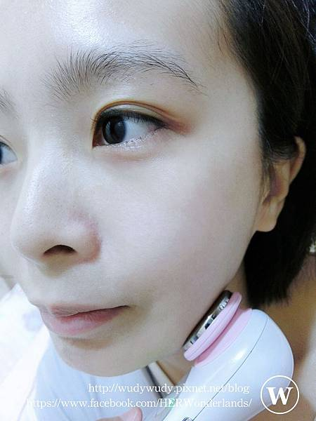 ibo 艾波女孩 B16 美肌重煥導入導出美容儀24.JPG