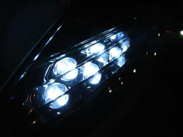 夜晚的定位燈