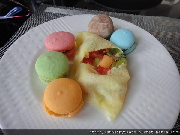 下午茶 馬卡龍及水果法式可麗餅
