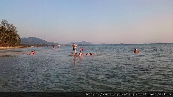 Mövenpick Resort, Koh Samui旁的 Laem Yai Beach