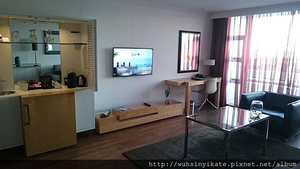 Radisson Blu Cape Town Hotel - Living room