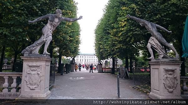 Mirabell Gardens 出入口處雕像