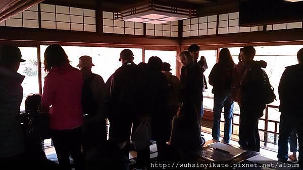 琉璃光院:訪客人潮洶湧