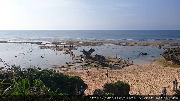 ティーヌ浜(ハートロック心形礁石)
