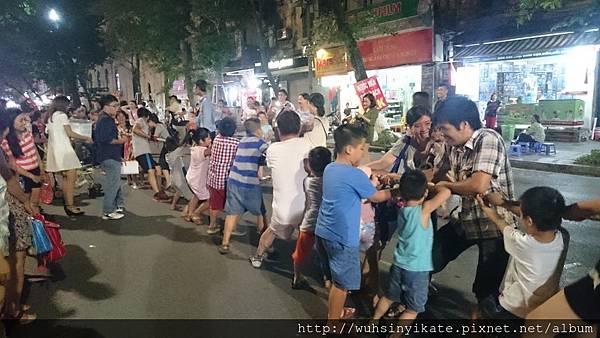 Hanoi, street actuvuty