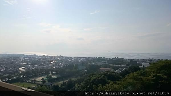 從彥根城天守望外可眺望到琵琶湖及竹生島