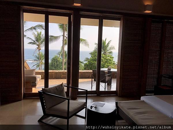 Garden Pool Suite 有面對海灣的戶外露臺