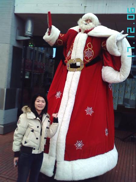 Vivien & Santa