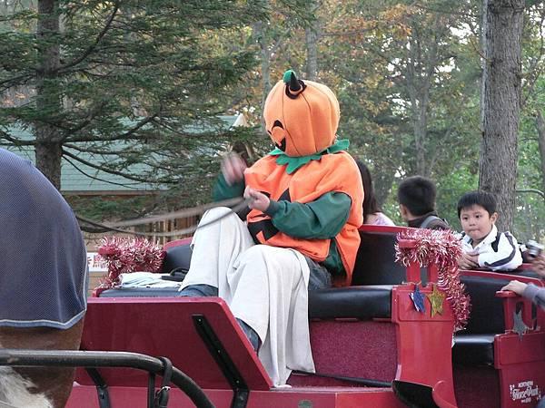 2008-10-22-050馬牧場馬夫.jpg