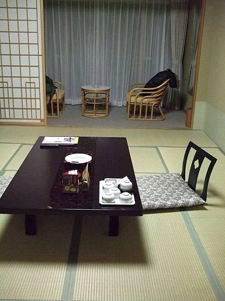 2008-10-23-330第二天飯店房間.jpg