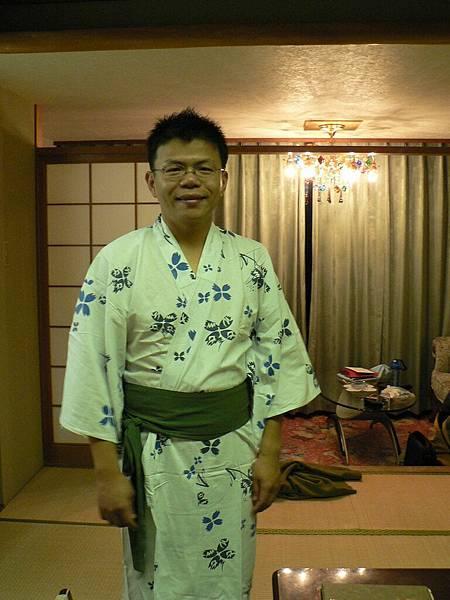 2008-10-24-460第三天飯店浴袍.jpg