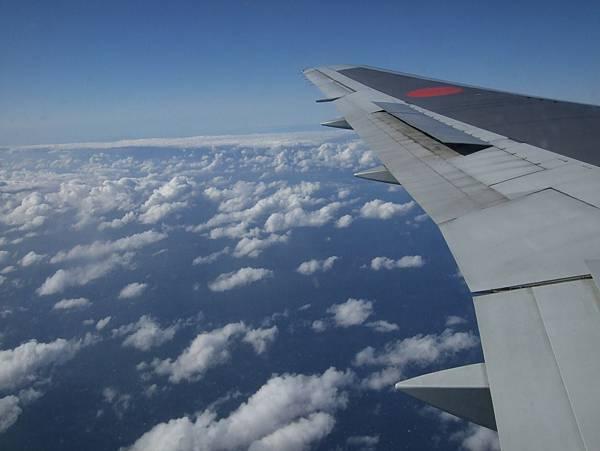 049Day1在飛機上.jpg