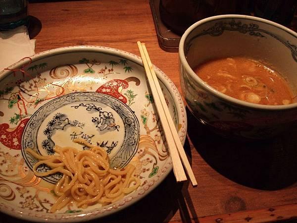 100Day1晚餐往麵屋武藏.jpg