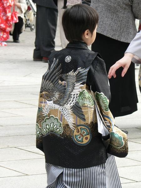 428Day3明治神宮前的小孩.jpg