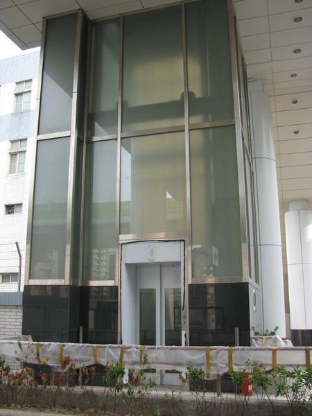 劍南路站出口電梯(1F)