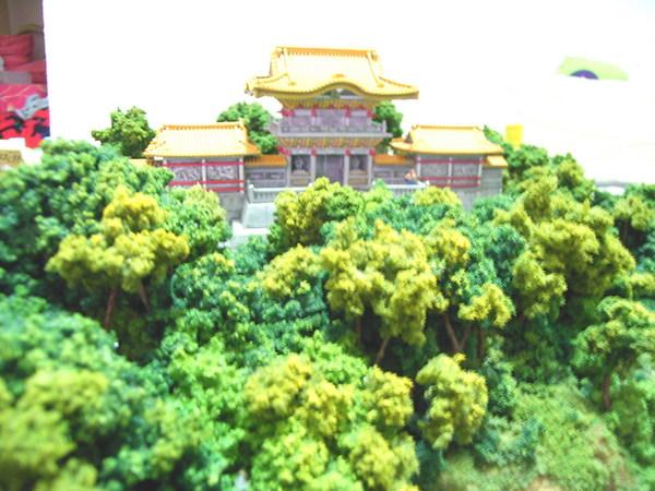 廟宇和山景 002.jpg