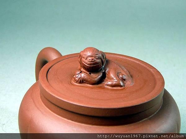 荷芬臥獅燈壺 (4)