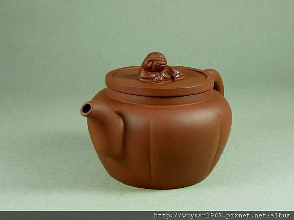 荷芬臥獅燈壺 (2)