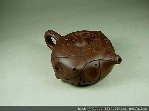 吳鳴 石陶壺 (3)