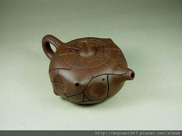 吳鳴 石陶壺 (4)