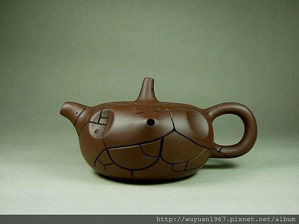 吳鳴 石陶壺 (1)