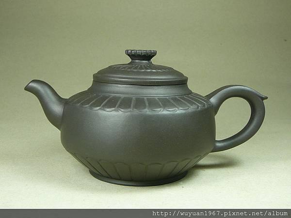 王玉英 黑泥 菊苑