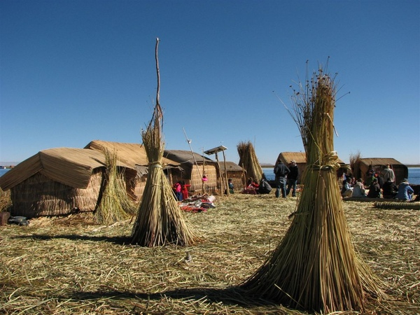 Titicaca Lake (Isla Uros)