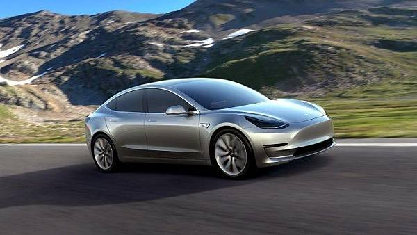 Tesla Model 3-1.jpg
