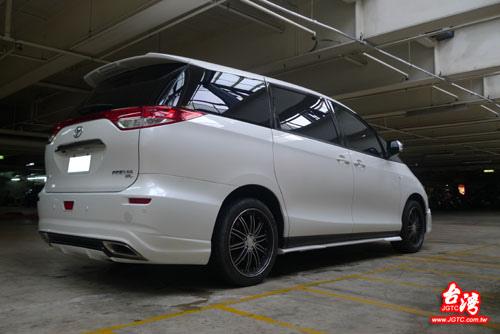 Taiwan JGTC Toyota Previa 後保桿側面 02.jpg