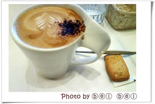 DazzLING Cafe Sky蜜糖吐司加奶拿鐵