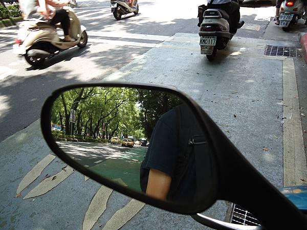 摩托車與照相機02