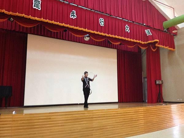 2012-05-12兆如老人安養護中心-魔術表演『林政德-魔幻六連環』表演照