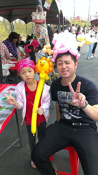 2012-10-13三鶯新生公園園遊會-小丑折氣球(波提獅+喬巴帽)