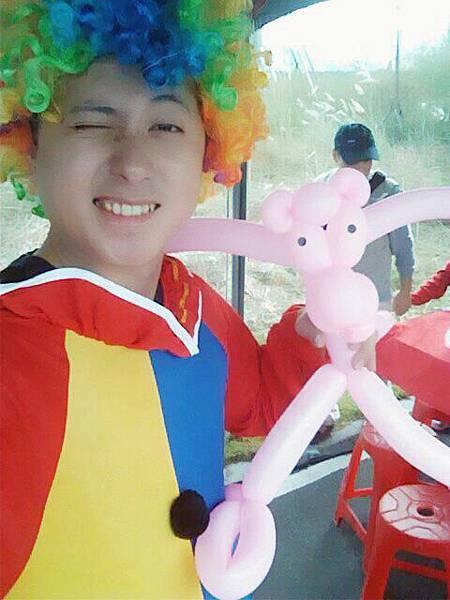 2012-10-13三鶯新生公園園遊會-小丑折氣球(頑皮豹)