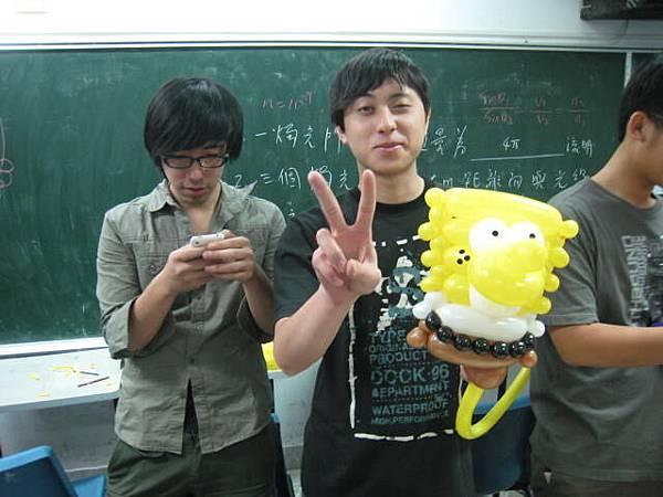龍華魔術社-氣球研習營-海綿寶寶.JPG