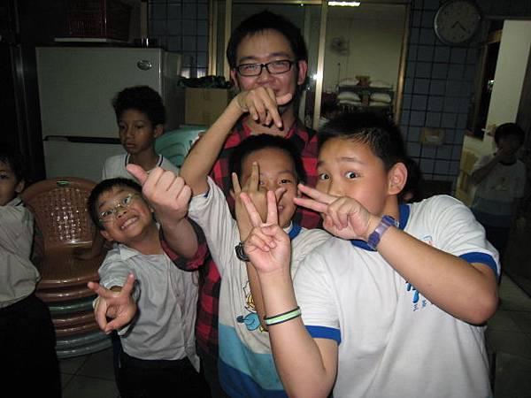 貴格教會魔術教學-小朋友合照3