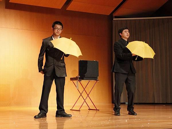 2014-05-01龍華科技大學魔術社「福爾魔斯」魔幻之夜魔術表演1