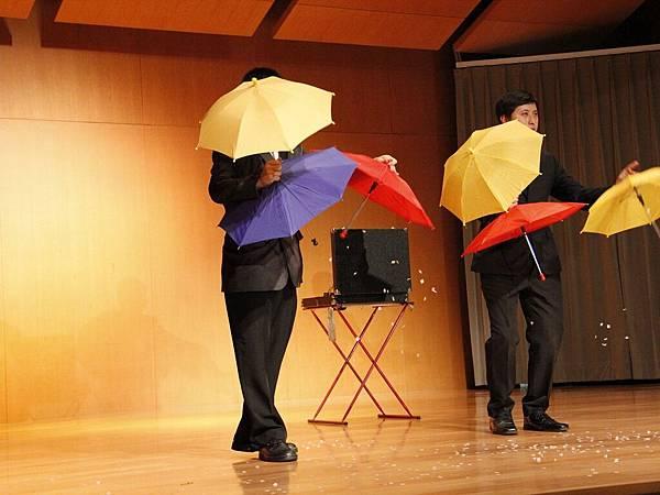 2014-05-01龍華科技大學魔術社「福爾魔斯」魔幻之夜魔術表演3