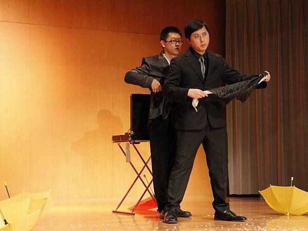 2014-05-01龍華科技大學魔術社「福爾魔斯」魔幻之夜魔術表演4