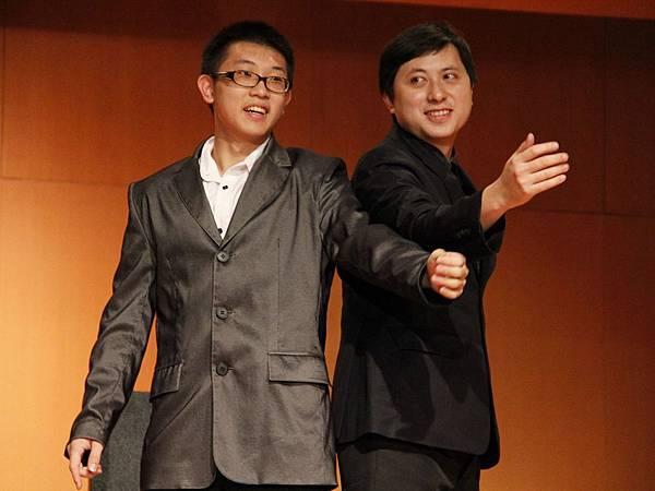 2014-05-01龍華科技大學魔術社「福爾魔斯」魔幻之夜魔術表演6