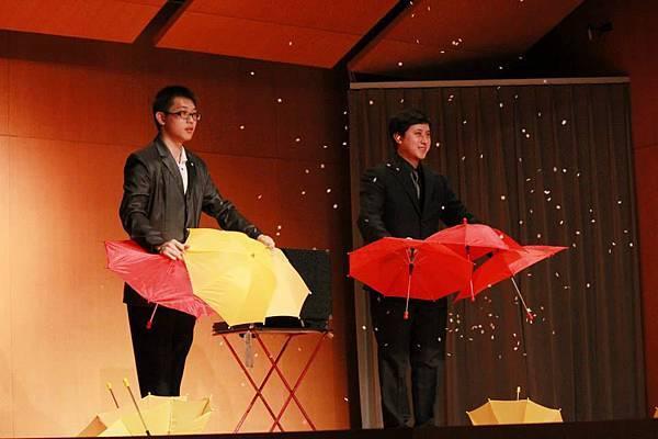 2014-05-01龍華科技大學魔術社「福爾魔斯」魔幻之夜魔術表演10