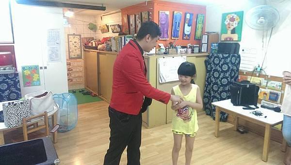 2014-0619快樂靜思園「靚靚妹妹」生日慶魔術表演+氣球18