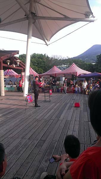 八里左岸-街頭魔術表演5