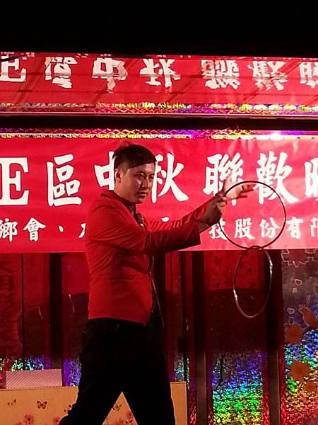 【表演實錄】2014年桃園真愛社區中秋節大會烤晚會-魔術+氣球表演2