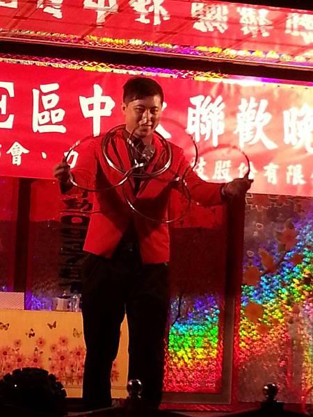 【表演實錄】2014年桃園真愛社區中秋節大會烤晚會-魔術+氣球表演8
