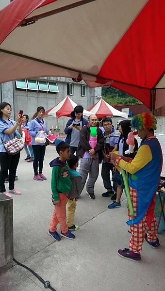 2014-10-04宏益玻璃家庭日-小丑氣球+活動工讀15