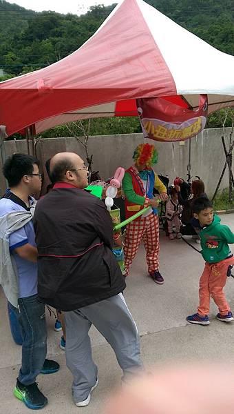 2014-10-04宏益玻璃家庭日-小丑氣球+活動工讀16