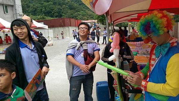 2014-10-04宏益玻璃家庭日-小丑氣球+活動工讀18