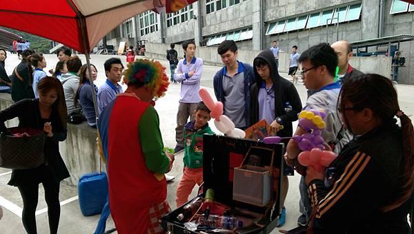 2014-10-04宏益玻璃家庭日-小丑氣球+活動工讀19
