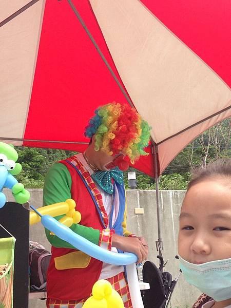 2014-10-04宏益玻璃家庭日-小丑氣球+活動工讀3